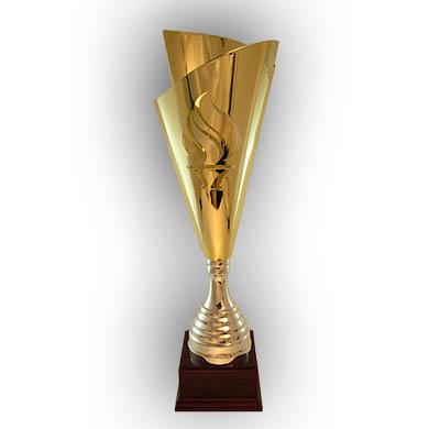 Кубок золотого цвета цельнометаллический
